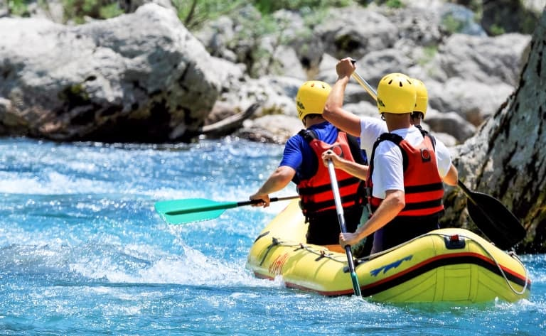 Rafting dans le canyon