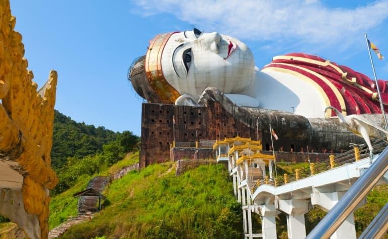 Pagodes, monastères et Stupas et Moulmein