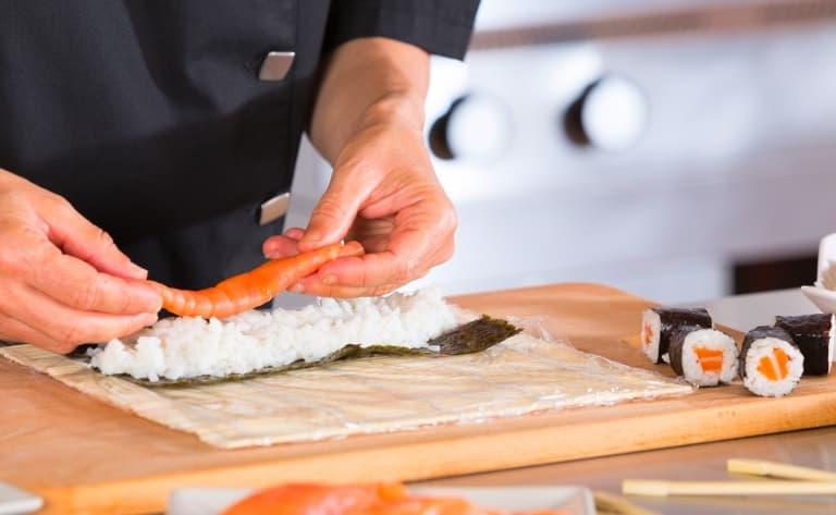 Cours de sushis et balade dans le marché aux poissons de Tsukiji