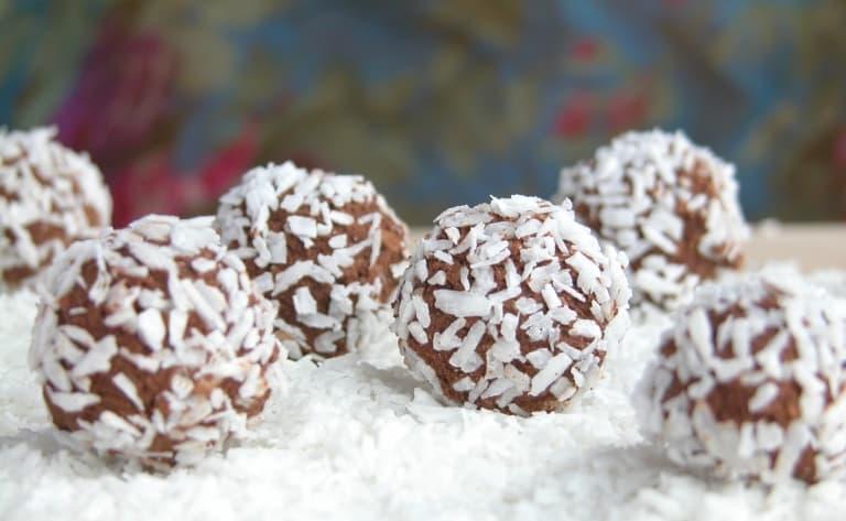 Dégustation de bonbons à la noix de coco
