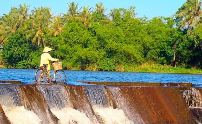 Vélo le long de la rivière Boi