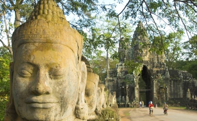 Les bas-reliefs d'Angkor et son atmosphère lacustre !