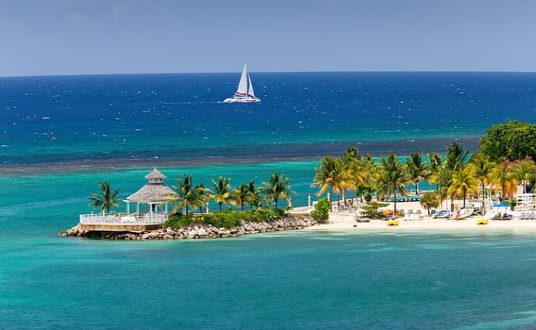 Sous le ciel azur de la Jamaïque